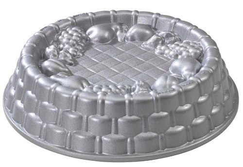 Nordic Ware Fancy Marianne Pan