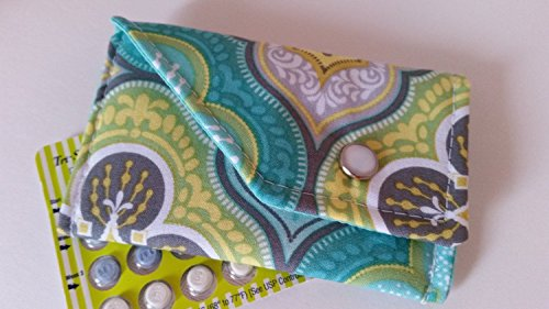 birth-control-case-with-snap-closure-aqua-paisley