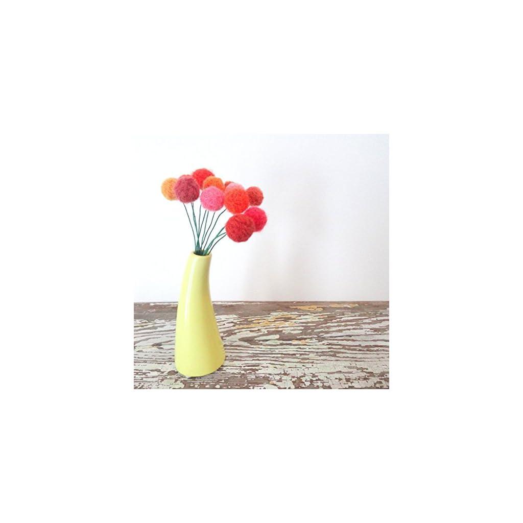 Orange and Coral Felt Flowers. Pom pom Flower. Fake Flowers. Marigold Bouquet. Faux Flower Arrangement. Wool pom poms, Yarn Billy Balls