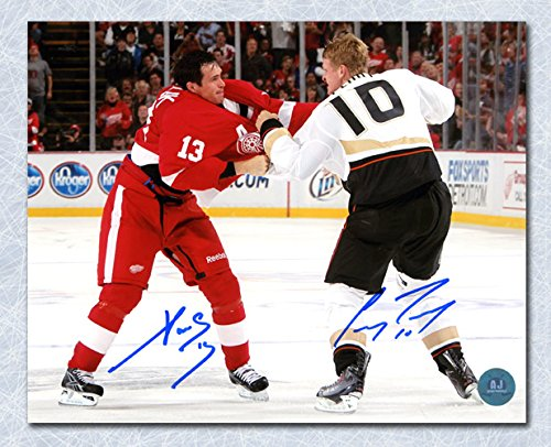 Wing Dual (Pavel Datsyuk vs Corey Perry Dual Signed Red Wings & Ducks Fight 8x10 Photo)