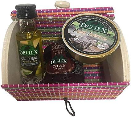 Baúl de mimbre multicolor con mermelada de cereza, aceite de oliva y monodosis de paté ibérico (Pack 24 ud)