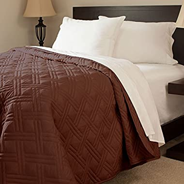 Bedford Home Solid Color Bed Quilt, King, Chocolate