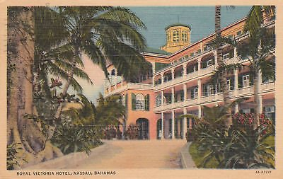 (F1765 Bahamas, Nassau Royal Victoria Hotel Postcard)