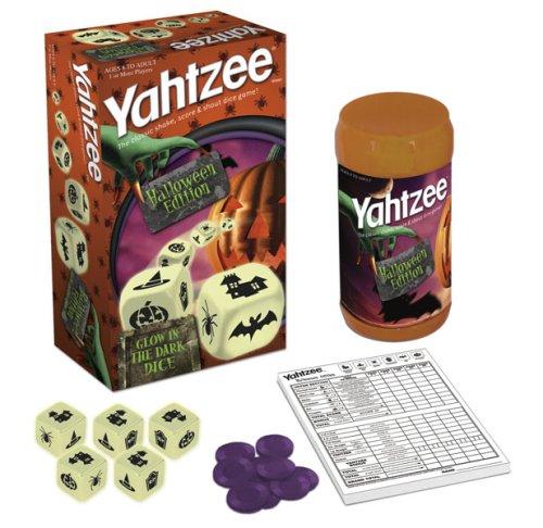 USAopoly Halloween Yahtzee -
