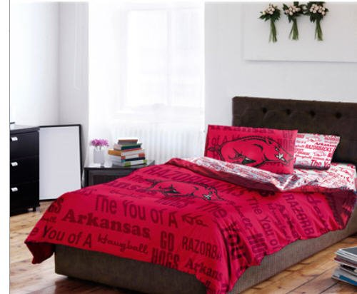 Arkansas Razorbacks NCAA Full Comforter & Sheets (5 Piece Bed In A Bag) ()