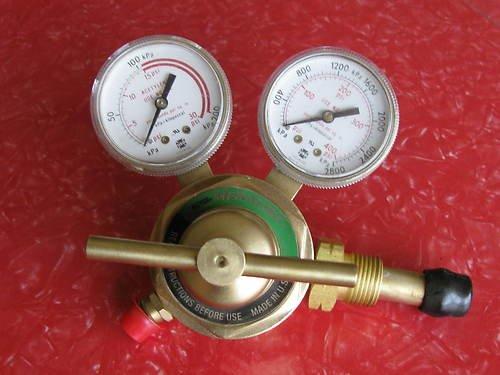 Price comparison product image Victor Medalist Acetylene Regulator Number 250-15-300