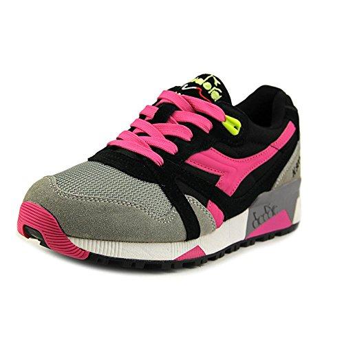 diadora-n9000-women-us-75-black-sneakers