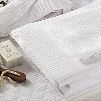 Amazon Com Waffle Weave Bath Towel By Bellora Home Amp Kitchen