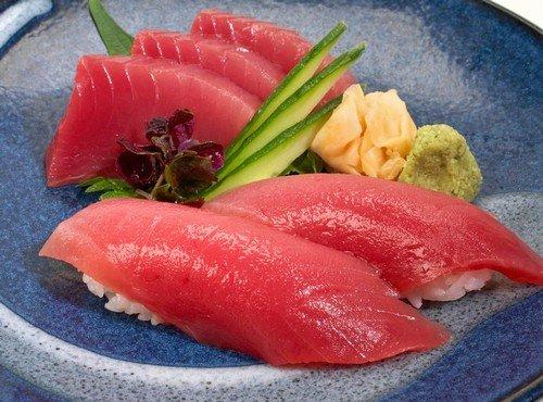 Fresh wild sashimi grade yellowfin ahi tuna maguro for Sashimi grade fish