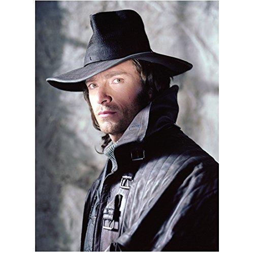 Van Helsing (2004) 8 Inch x10 Inch Photo Hugh Jackman Black Hat & Black Coat w/Turned Up Collar kn