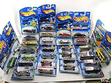 FREE SHIPPING Hot Wheels no duplicates Cars will vary in age Mixed lot of 30