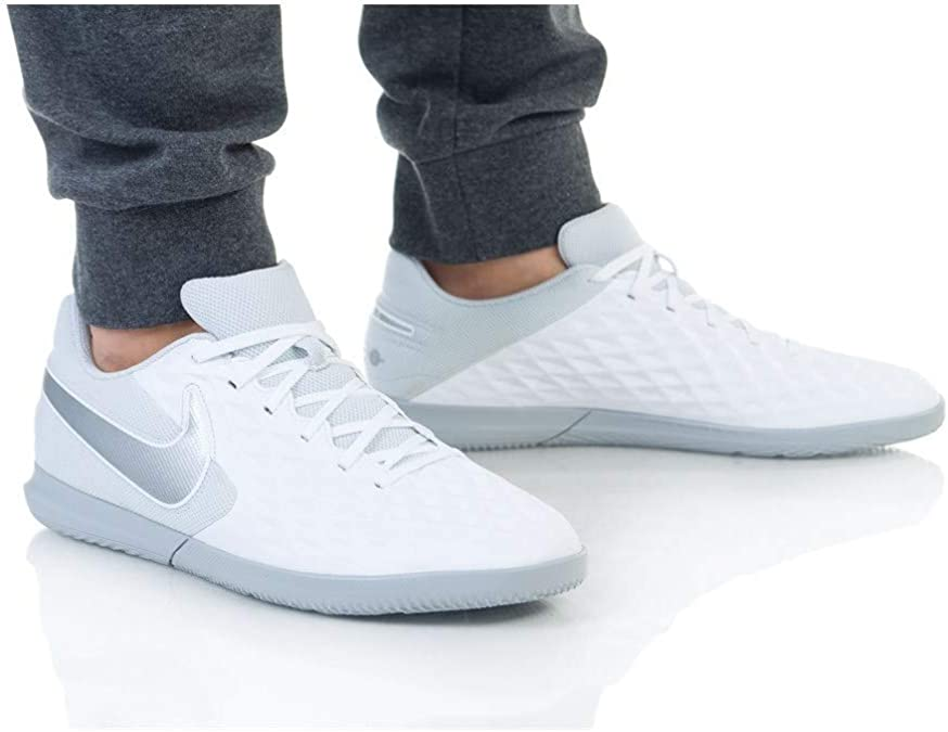 Chaussures de Futsal Mixte Adulte Nike Legend 8 Club IC