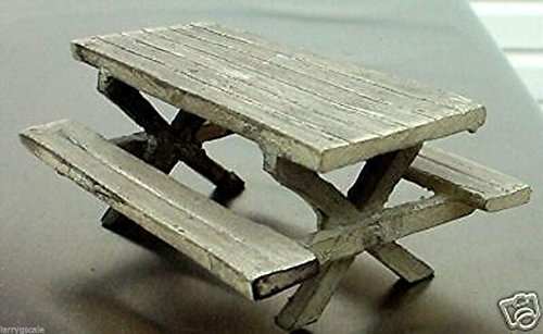 Picnic Table Miniature 1/24 Scale G Scale Diorama Accessory Item Bachmann G Scale White Christmas