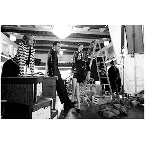 Ladder Casts - Julianna Margulies 8x10 B&W Photo Good Wife 4 Cast Ladder Desk Facing Right Wlo
