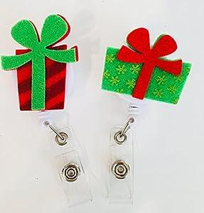 amazon com 2 pack christmas gift presents nurse badge reel