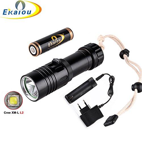 - New new Waterproof 2000LM XM-L2 LED Diving Flashlight 18650 Torch Scuba Light 100M & 4000mah battery + charger