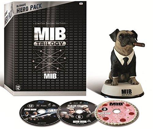 MIB Trilogy (Ultimate Hero Pack) - 3-Disc Box Set & Agent Frank Figurine ( Men in Black / Men in Black II (Men in Black 2) / Men in Black 3 (Men in Black II [ Blu-Ray, Reg.A/B/C Import - Netherlands ]