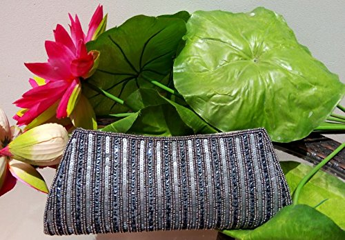 Artcraving Gray clutch , hand crafted bead Wallet clutch , Portefeuille Femmes , Grey evening clutch, Bridal clutch