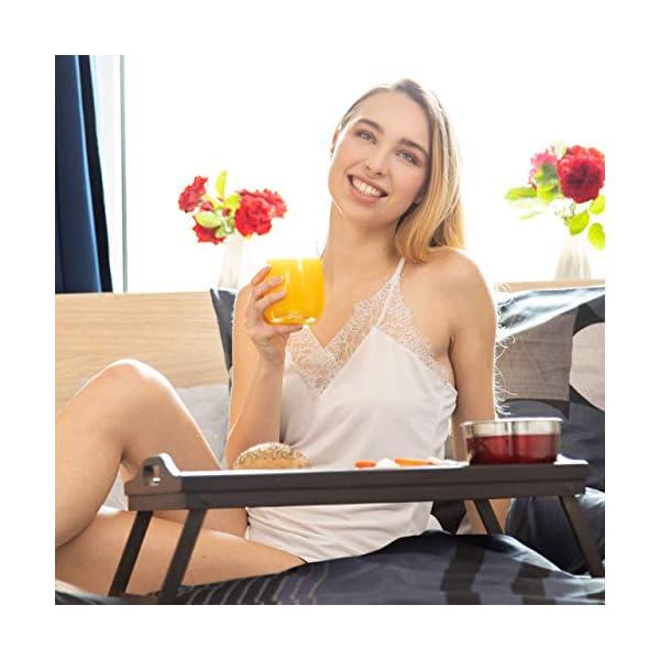 Relaxdays 10023233, Marron Foncé Tablette de Lit Bambou Pliant Poignées Rebords Plateau de Service & Petit Déjeuner, 22×61,5x30cm