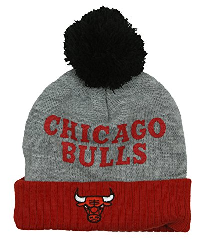 Chicago Bulls NBA Little Boys Basic Cuffless Pom Pom Knit Beanie, ()