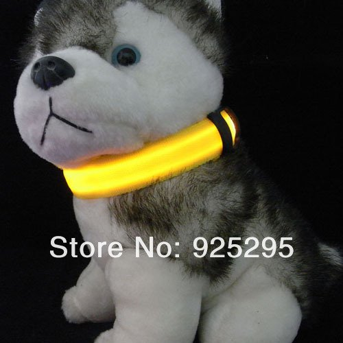 LED Nylon Pet Dog Collar Night Safety LED Light-up Flashing Glow in the Dark Size S