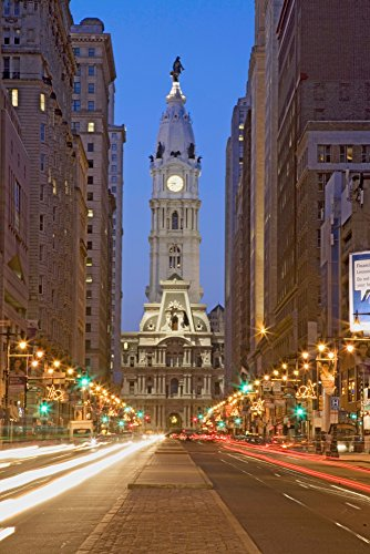 Penn William Statue - William Penn statue on the top of City Hall at dusk and streaked car lights from Broad Street Philadelphia Pennsylvania the City of Brotherly Love Poster Print by Panoramic Images (36 x 24)