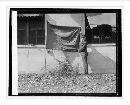 Historic Print (L): Howard S. Fisk with flag of Geo. Wash. Post. Amer. Leg., ... ()
