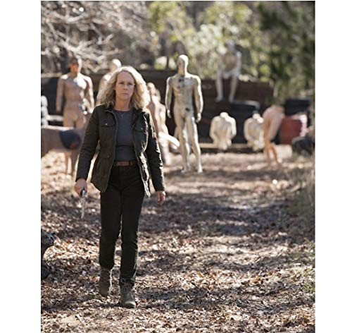 (Halloween Jamie Lee Curtis as Laurie Strode with gun at target practice 8 x 10 Inch)