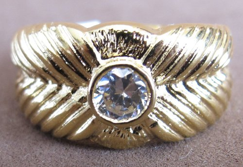 (Ladies SIZE 6 WEDDING Style RING w 18 KGE Gold Tone ELECTO PLATED BAND (Striated LEAF Design) & Round CUBIC ZIRCONIA Center Stone (Paveed))