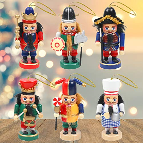Great set of Nutcrackers for Your Holiday Decorating!