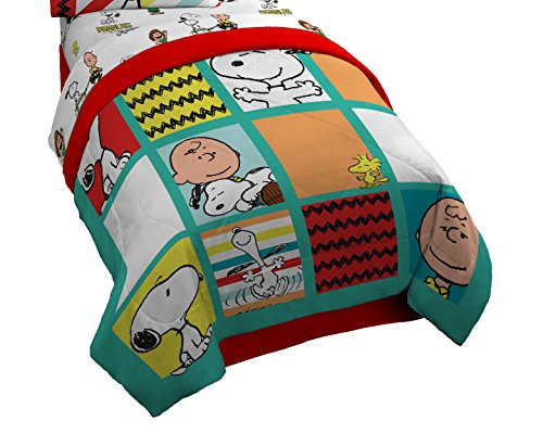 Peanuts Charlie Brown Best Friends Twin/Full Comforter - Super Soft Kids Reversible Bedding features Charlie Brown and Snoopy - Fade Resistant Polyester Microfiber Fill (Official Peanuts Product) (Peanuts Sheets Twin)