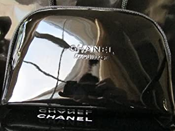 b390f8ec0128 Amazon.com : Chanel Maquillage Beaute Cosmetics Bag
