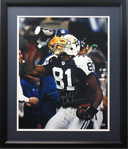 Signed Terrell Owens Photo - 16x20 Popcorn framed - Autographed NFL (Autographed Dallas Cowboys 16x20 Photo)