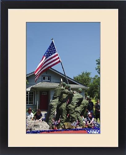 [Framed Print of Iwo Jima Replica, float; July 4th parade; Ridgefield; Washington; USA] (4th Of July Costumes Australia)