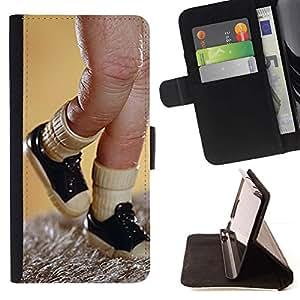 Momo Phone Case / Flip Funda de Cuero Case Cover - Dedo juguete Títeres Sneakers Imagen - Sony Xperia M5