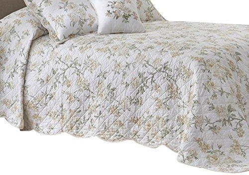 Nostalgia Home Juliette Bedspread, Queen, White Floral