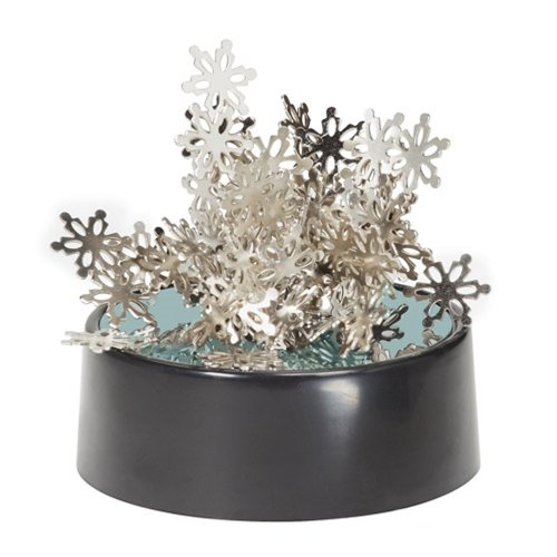 The Magnetic Sculptures - Snowflake is a classic desk toy with an snowy theme. Manipulate the little snowflake shaped pieces to create lovely desktop sculptures. Playing with magnetic art can help to take the edge off stressful days at work o...