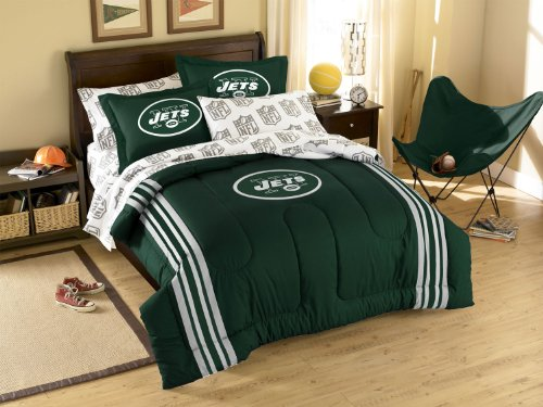 New York Jets Comforter (New York Jets 3 Pc TWIN/FULL Embroidered Comforter Set - Entire Set Includes: (1 Comforter, 2 Pillow Shams) SAVE BIG ON BUNDLING!)