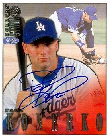 - Autograph Warehouse 33925 Paul Konerko Autographed 8 x 10 Photo Los Angeles Dodgers