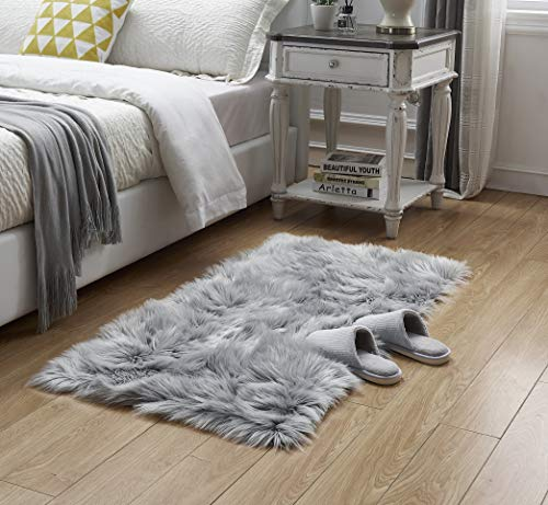 LEEVAN Rectangle Sheepskin Rug Supersoft Fluffy Area Rug Shaggy Silky Throw Rug Floor Mat 2 ft x 4 ft, Grey