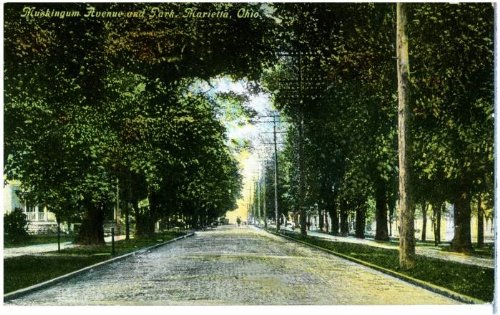 Photo Reprint Muskingum Avenue and Park, Marietta, - The Marietta Avenues