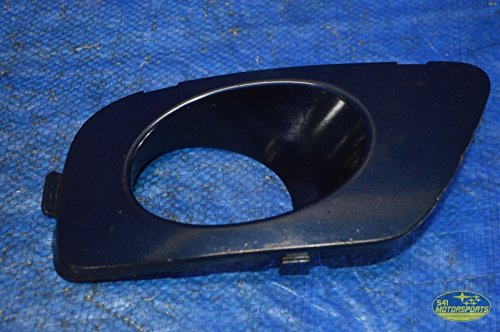 (Subaru 2005-2009 Legacy GT Fog Lamp Light Cover Right Passenger RH OEM 05-09)
