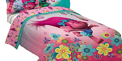 Poppies Quilt Fabric (Dreamworks ML7388 Trolls Life Comforter Trolls Life Reversible Twin/Full Comforter)