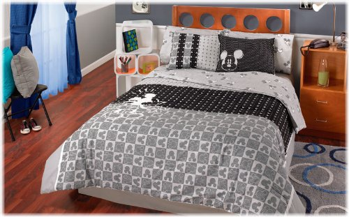 Amazon com  Disney Mickey Mouse 6 Pc Twin Comforter Bedding Set  Home    Kitchen. Amazon com  Disney Mickey Mouse 6 Pc Twin Comforter Bedding Set