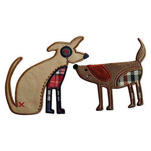 9X6Cm Perro Perro Que Se Sienta 9X9Cm Comico perro, luciendo una gran sonrisa y en tonos marrones, feliz y mirando fijamente Perro con texturas a cuadros con colores azul, rojo, marron y lindos ojos de b
