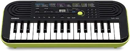 Casio SA-46 - Miniteclado electrónico para niños, 32 teclas, altavoces incorporados, color negro y verde: Amazon.es: Juguetes y juegos