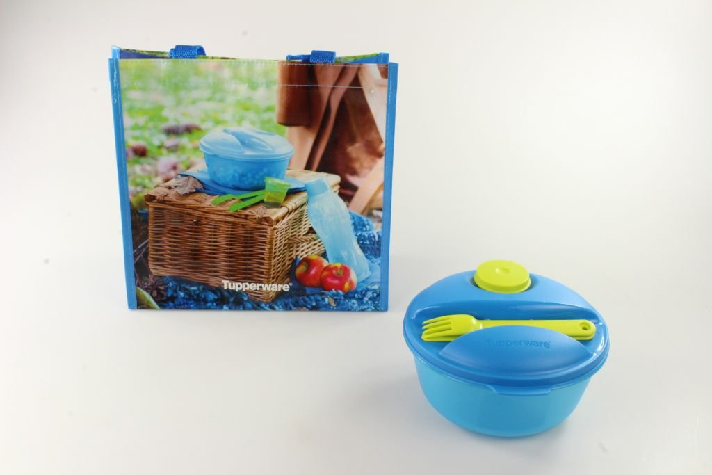 TUPPERWARE To Go Salat & Go 1,5 L blau limette mit Besteck Picknick + Tasche