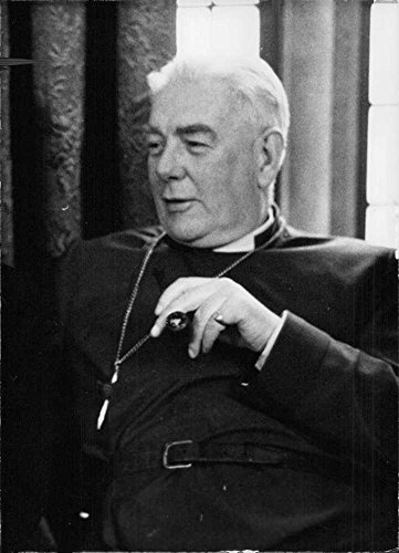 vintage-photo-of-the-rt-rev-lewis-mervyn-charles-edwards-in-a-portrait