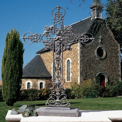 Design Toscano The Veneration Crosses Our Lady of The Rosses Statue