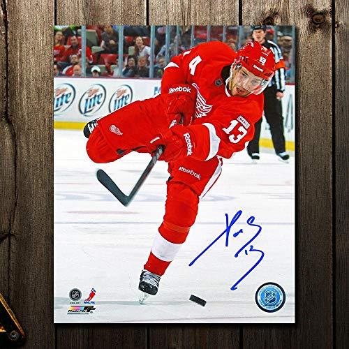 - Pavel Datsyuk Detroit Red Wings SLAP SHOT Autographed 8x10